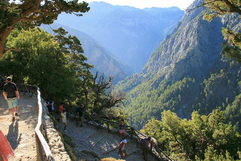 Crossing-Samaria-Gorge